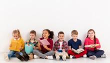 copii citind carti, librarie, librex, cumparaturi online